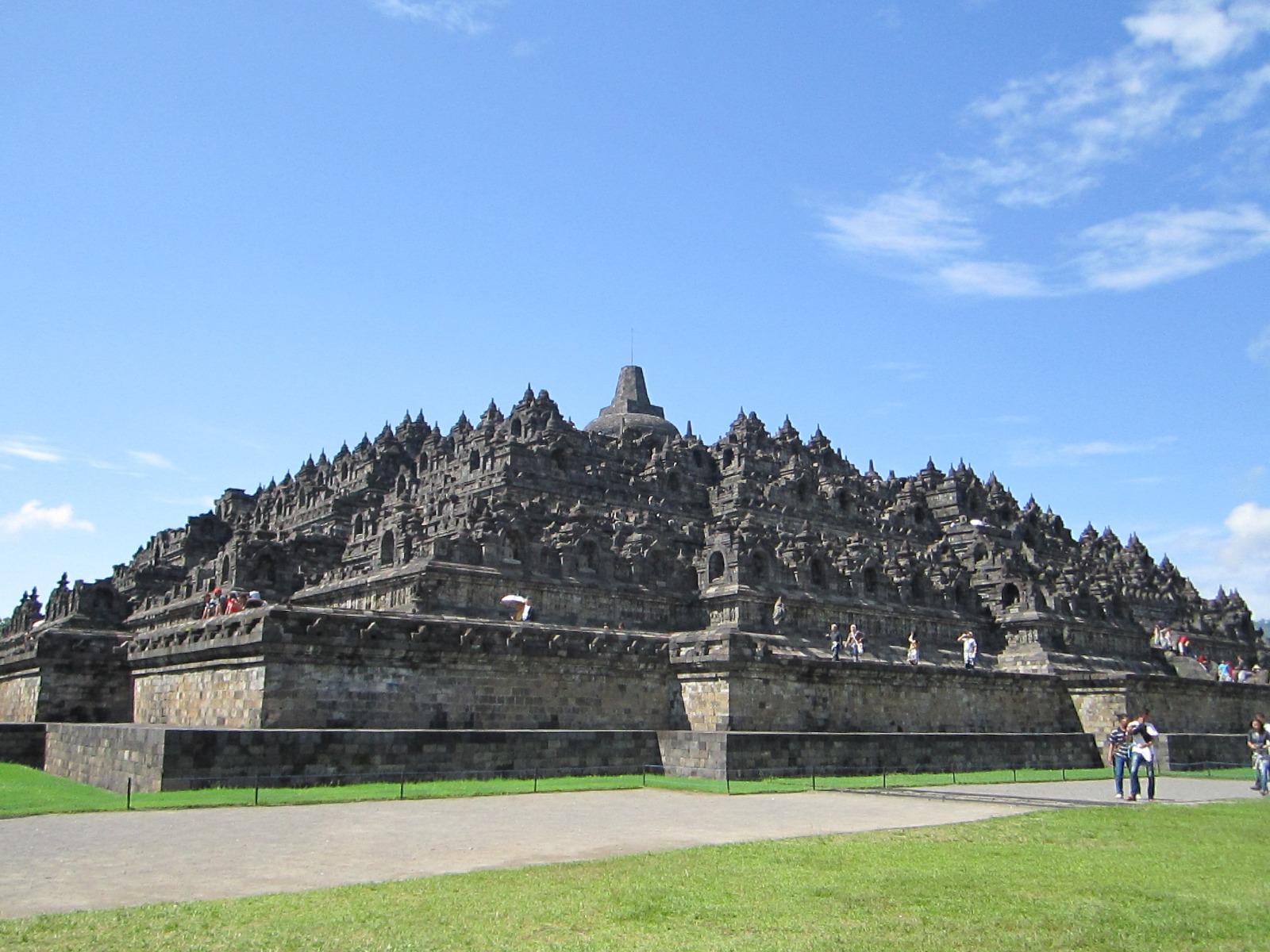 Borobudur-Temple-Pictures